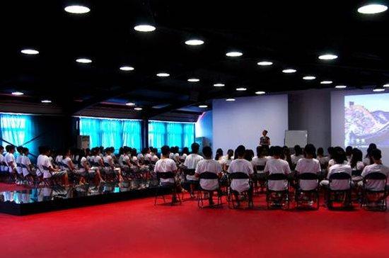 北京新面孔模特学校 中专班课堂