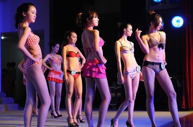 合肥新面孔学校隆重举办2013年服装设计大赛和服装模特大赛 高清图片