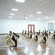 艺考生上瑜伽课  备战2016模特高考