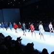 京东 新面孔模特大赛:刘强东入主时尚模特行业