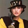 被 Chanel 钦点的缪斯女神,已经优雅了半个世纪