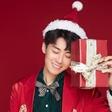刘宇航演绎圣诞装扮时尚大片