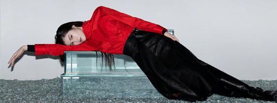 何穗出镜T Magazine中国版十月刊时装大片