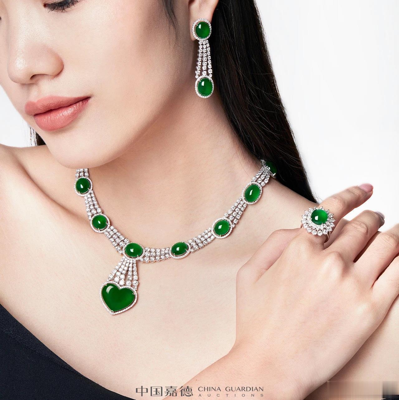 周志芳演绎中国嘉德珠宝广告,高端大气。