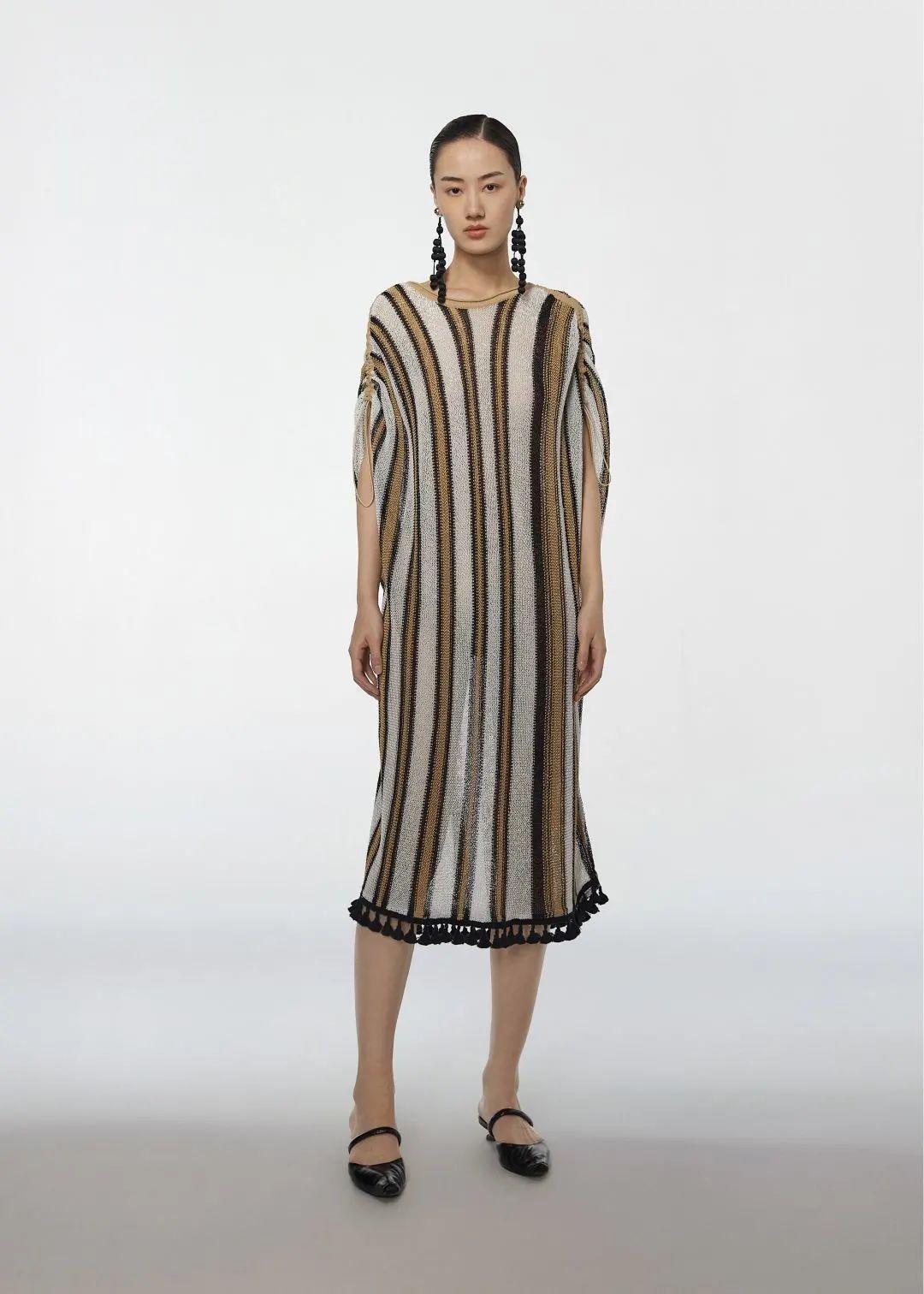 模特吕佳纳演绎Light knitting广告