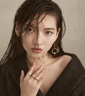 新面孔模特郭艳时尚大片,这种风格的转变很迷人!