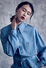 模特何若阳出镜Carlota byhuan高级成衣系列
