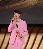 """助阵dior高定大秀药引,超模刘治成收获2019""""年度超级男模特奖""""!"""