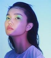国际首秀即登上Dior成名,刷屏各大杂志大刊但性格,扶摇直上的00后女孩-李芙瑶