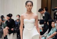 李芙瑶亮相2021春夏上海时装周